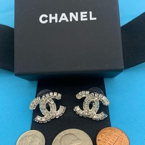Pretty Authentic crystal Chanel silver🐹🐹